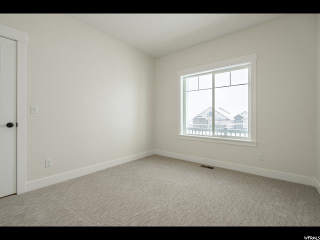 Additional photo for property listing at 1043 S 900 E 1043 S 900 E Salem, 犹他州 84653 美国