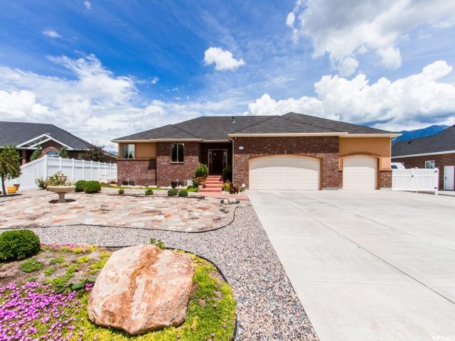 单亲家庭 为 销售 在 552 N PLEASANT VIEW Drive Kaysville, 犹他州 84037 美国