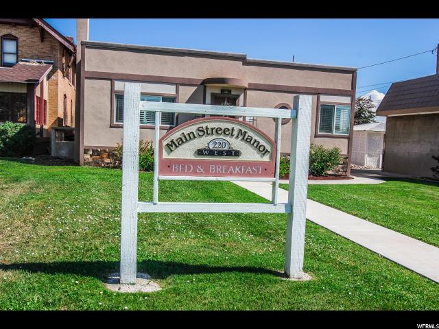 Additional photo for property listing at 220 W MAIN Street 220 W MAIN Street Vernal, Utah 84078 Estados Unidos