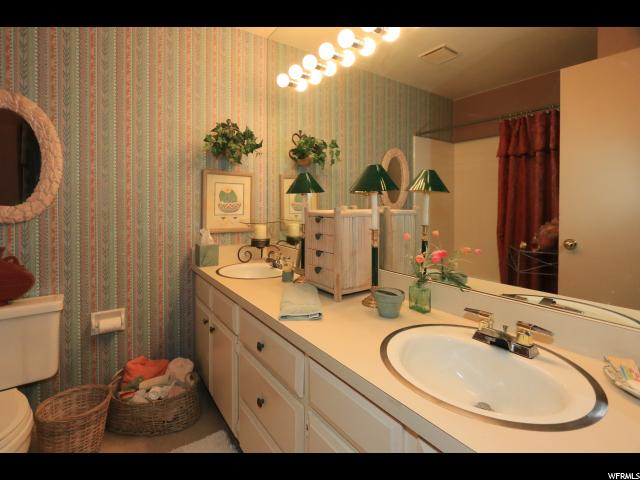 8686 S GRAND OAK DR Cottonwood Heights, UT 84121 - MLS #: 1469025