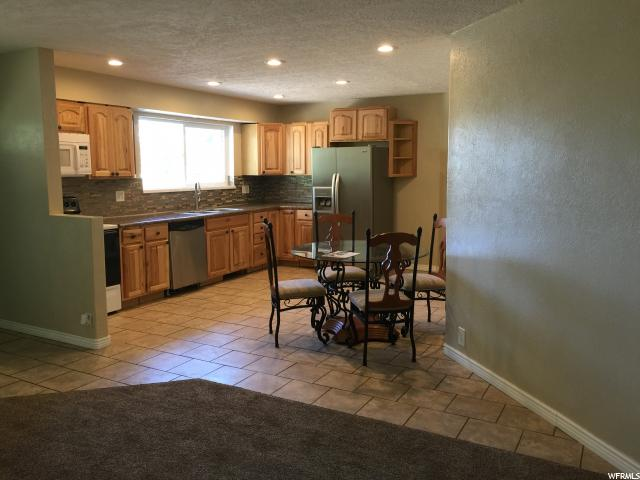Additional photo for property listing at 1855 W 6020 S  Taylorsville, Utah 84129 États-Unis