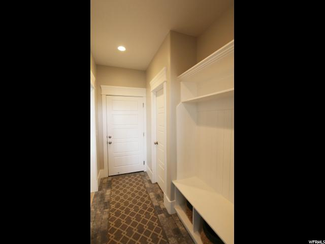 Additional photo for property listing at 816 W 3100 N 816 W 3100 N Unit: 104 Pleasant Grove, Юта 84062 Соединенные Штаты