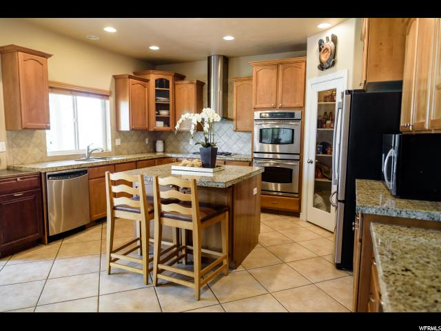 Additional photo for property listing at 88 S BONNEVILLE Lane 88 S BONNEVILLE Lane Kaysville, Utah 84037 Estados Unidos