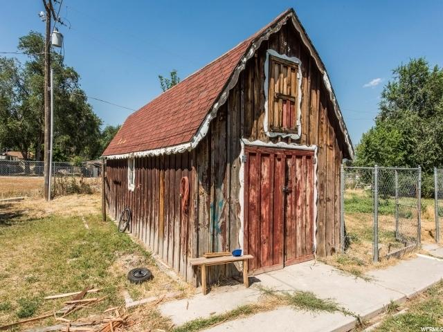 Additional photo for property listing at 8213 S OLD BINGHAM HWY 8213 S OLD BINGHAM HWY 西约旦, 犹他州 84088 美国