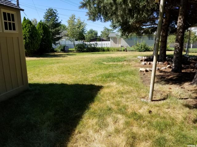 Additional photo for property listing at 4467 S 2025 W  Roy, Utah 84067 États-Unis