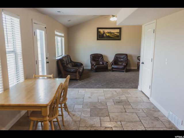 Additional photo for property listing at 1818 E 830 S  Naples, Utah 84078 États-Unis