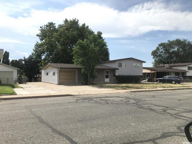 单亲家庭 为 销售 在 1227 N 450 W Sunset, 犹他州 84015 美国