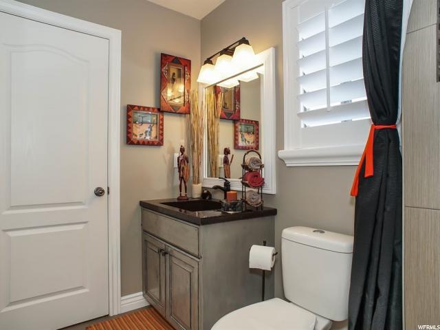 Additional photo for property listing at 112 E 2100 S 112 E 2100 S Clearfield, Юта 84015 Соединенные Штаты