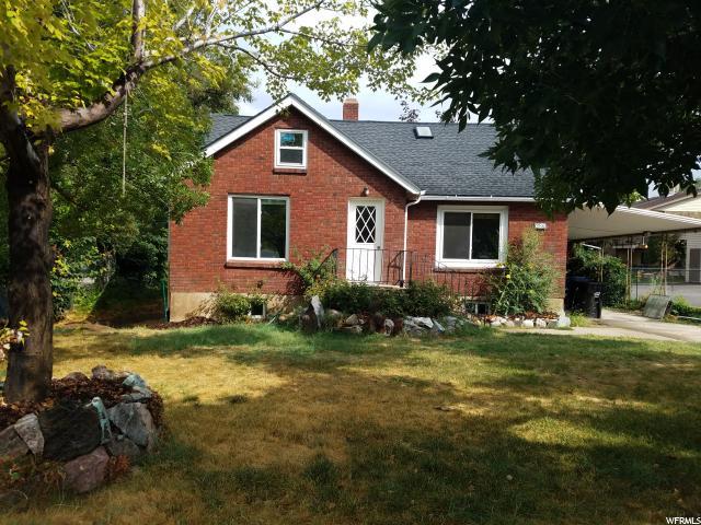 单亲家庭 为 销售 在 286 E 5000 S 286 E 5000 S Washington Terrace, 犹他州 84405 美国