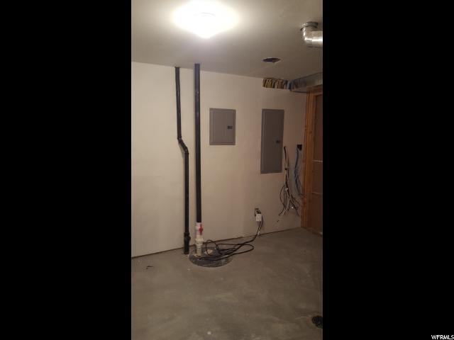 Additional photo for property listing at 2014 E 1820 S 2014 E 1820 S Naples, Utah 84078 États-Unis