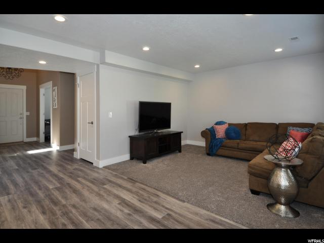 Additional photo for property listing at 696 W 2000 N  West Bountiful, Utah 84087 Estados Unidos