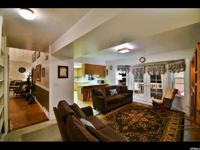 Additional photo for property listing at 11210 S 2125 E  Sandy, Utah 84092 États-Unis