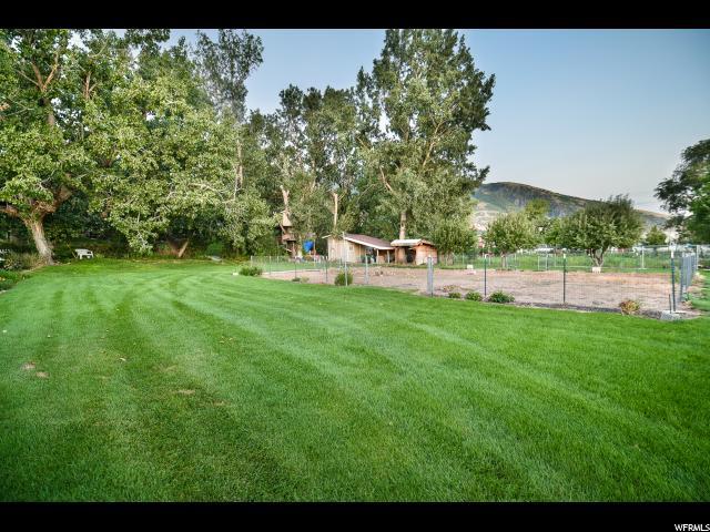 Additional photo for property listing at 11210 S 2125 E 11210 S 2125 E Sandy, Юта 84092 Соединенные Штаты