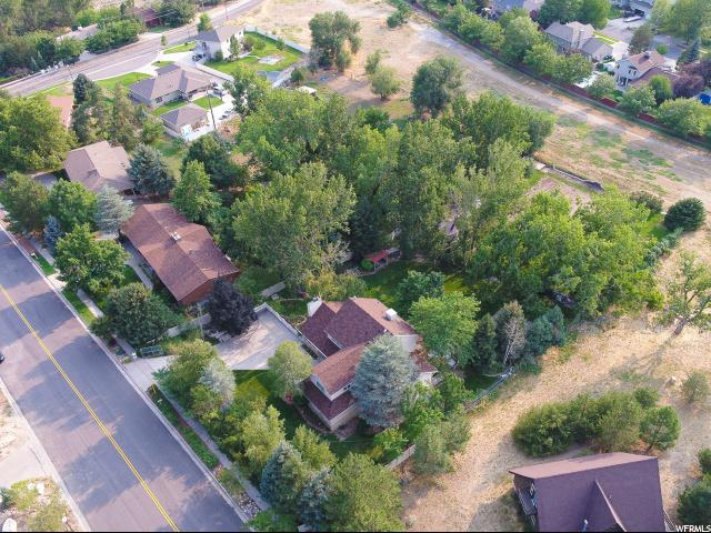 Additional photo for property listing at 11210 S 2125 E  Sandy, Utah 84092 Estados Unidos