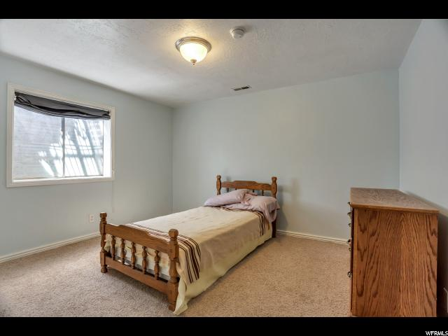 Additional photo for property listing at 13105 S 2420 W 13105 S 2420 W Riverton, Utah 84065 États-Unis