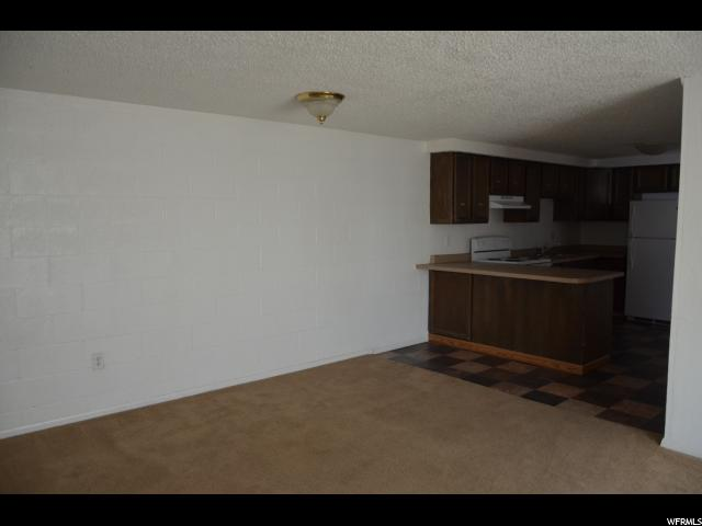 Additional photo for property listing at 68 S 600 W 68 S 600 W Vernal, Utah 84078 Estados Unidos
