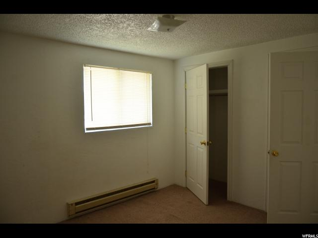 Additional photo for property listing at 68 S 600 W 68 S 600 W Vernal, Utah 84078 États-Unis