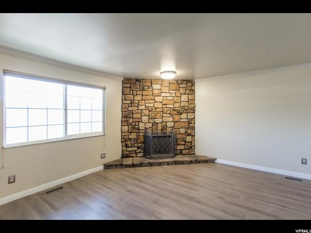 Additional photo for property listing at 634 E WILLIAMSBURG PARK Circle  Sandy, Utah 84070 United States