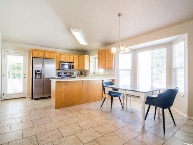 Additional photo for property listing at 1147 W 1300 N  Clinton, Utah 84015 Estados Unidos