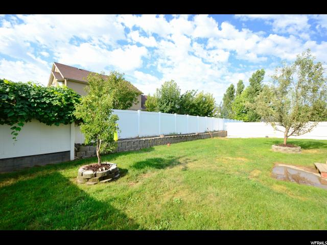 Additional photo for property listing at 747 W 1580 N 747 W 1580 N Clinton, Utah 84015 United States
