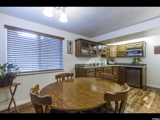 Additional photo for property listing at 3718 W 6050 S  Roy, Utah 84067 États-Unis