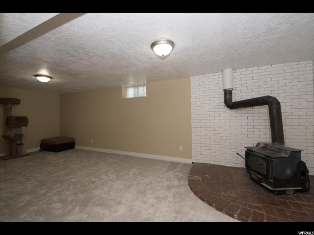 Additional photo for property listing at 711 W 1400 S  Woods Cross, Utah 84087 États-Unis