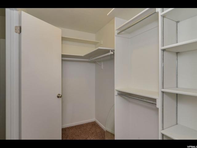 Additional photo for property listing at 205 S 200 E 205 S 200 E Farmington, Utah 84025 États-Unis