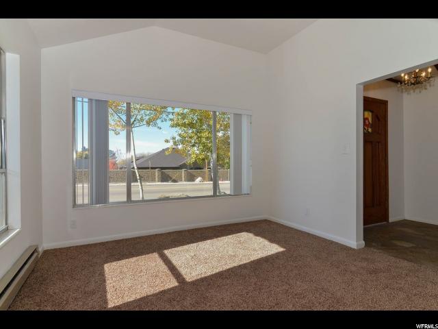 Additional photo for property listing at 205 S 200 E 205 S 200 E Farmington, Utah 84025 Estados Unidos