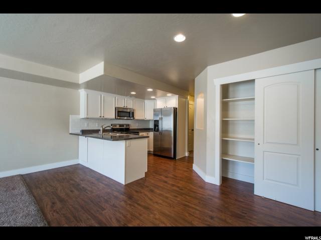 Additional photo for property listing at 137 S TAMARAK Circle  Lehi, Utah 84043 Estados Unidos