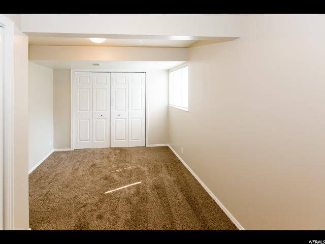 Additional photo for property listing at 731 E SANDSTONE Circle  Sandy, Utah 84094 Estados Unidos