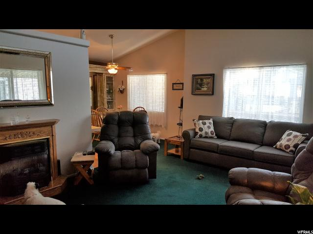 Additional photo for property listing at 4375 WEBER RIVER Drive 4375 WEBER RIVER Drive Unit: 41 Riverdale, 犹他州 84405 美国
