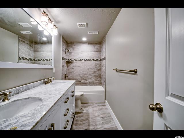 Additional photo for property listing at 1044 BANBURY 1044 BANBURY Syracuse, Utah 84075 États-Unis