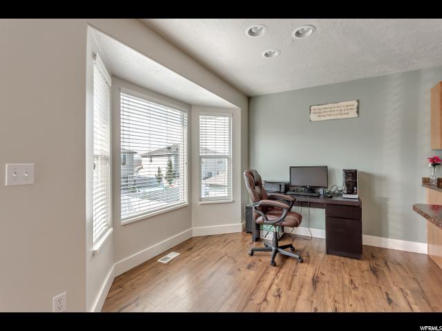 Additional photo for property listing at 1029 W OLDHAM Drive  North Salt Lake, Юта 84054 Соединенные Штаты
