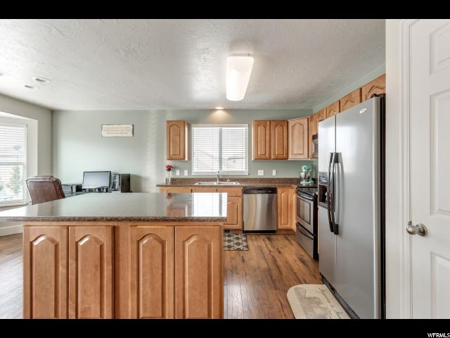 Additional photo for property listing at 1029 W OLDHAM Drive  北盐湖城, 犹他州 84054 美国
