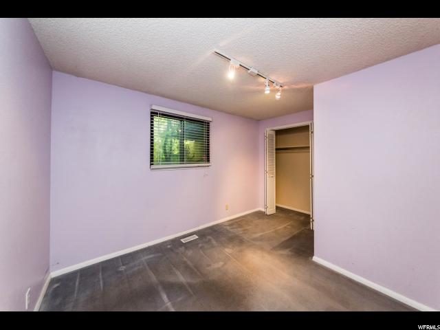 1054 E LAMPLIGHTER DR River Heights, UT 84321 - MLS #: 1470568