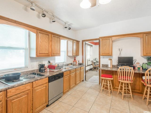 Additional photo for property listing at 126 W 900 S 126 W 900 S Salt Lake City, Utah 84101 United States
