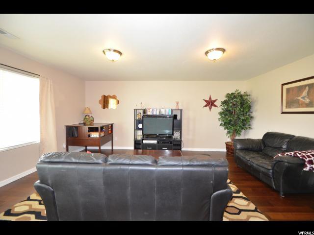 366 S WELLINGTON DR Kaysville, UT 84037 - MLS #: 1470596