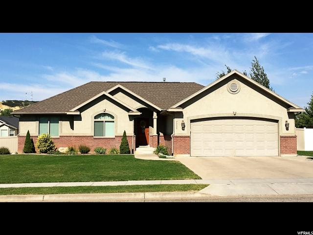 Additional photo for property listing at 7955 S 2325 E  South Weber, 犹他州 84405 美国