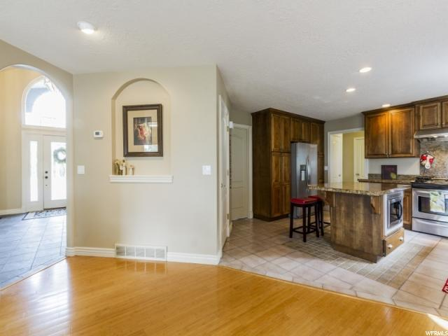 Additional photo for property listing at 952 N DORIS Circle  Centerville, Utah 84014 Estados Unidos