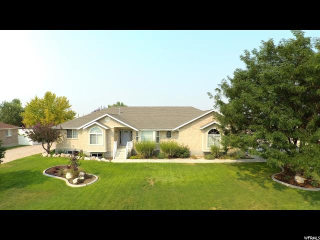 Single Family for Sale at 5831 S 7100 W 5831 S 7100 W Hooper, Utah 84315 United States
