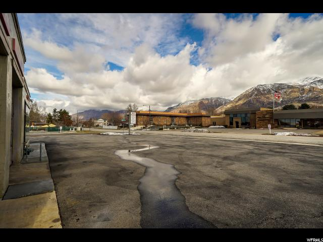Additional photo for property listing at 3707 S QUINCY Avenue 3707 S QUINCY Avenue Ogden, Utah 84403 Estados Unidos