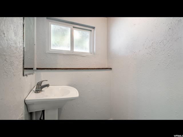 Additional photo for property listing at 10579 S LARKSPUR Drive  Sandy, Utah 84094 États-Unis