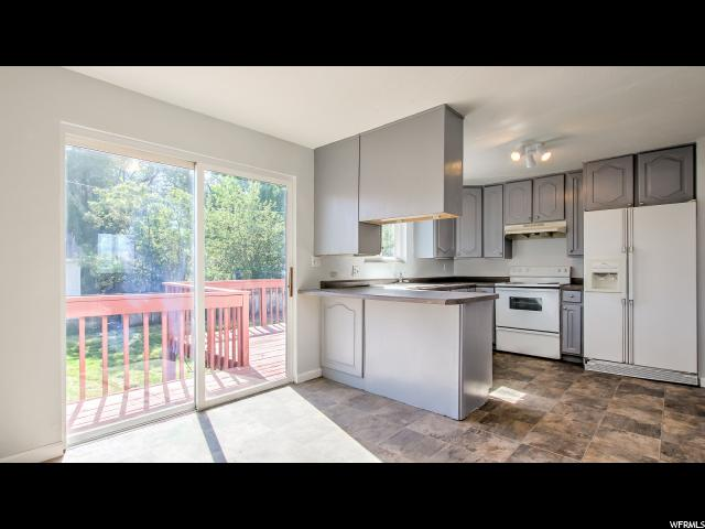 Additional photo for property listing at 10579 S LARKSPUR Drive  桑迪, 犹他州 84094 美国
