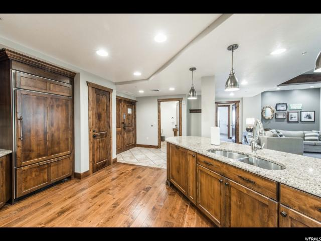 Additional photo for property listing at 3551 N ESCALA Court 3551 N ESCALA Court Unit: 219 Park City, Utah 84098 États-Unis