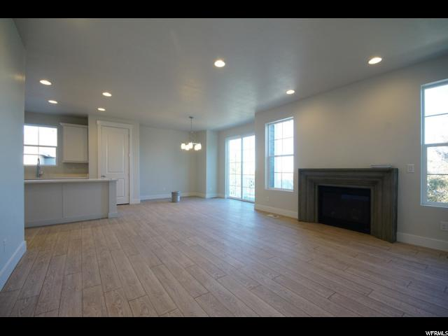 Additional photo for property listing at 6994 W 4075 S 6994 W 4075 S West Valley City, Юта 84128 Соединенные Штаты
