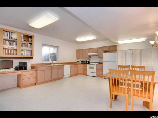 Additional photo for property listing at 3740 S 3750 W 3740 S 3750 W West Haven, Юта 84401 Соединенные Штаты
