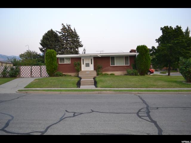 单亲家庭 为 销售 在 2255 S SORRENTO Drive Woods Cross, 犹他州 84087 美国