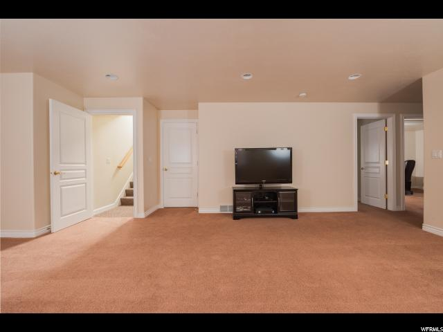 Additional photo for property listing at 10067 S HOMECOMING Avenue 10067 S HOMECOMING Avenue South Jordan, Utah 84095 United States