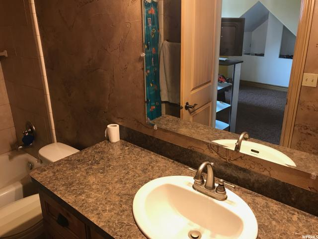 Additional photo for property listing at 535 W 2425 N 535 W 2425 N Harrisville, Utah 84414 États-Unis