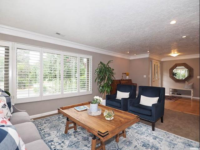 Additional photo for property listing at 2819 E SLEEPY HOLLOW Drive 2819 E SLEEPY HOLLOW Drive Holladay, Utah 84117 United States